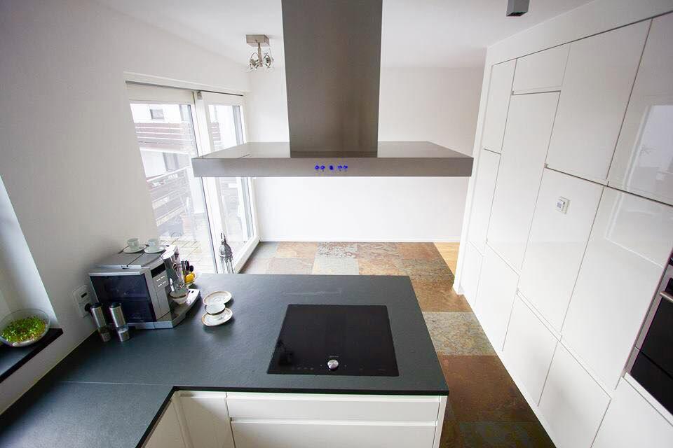k chenarbeitsplatten backes schiefer naturstein. Black Bedroom Furniture Sets. Home Design Ideas