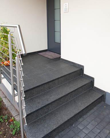 treppenstufen au en au entreppen eingangstreppen. Black Bedroom Furniture Sets. Home Design Ideas