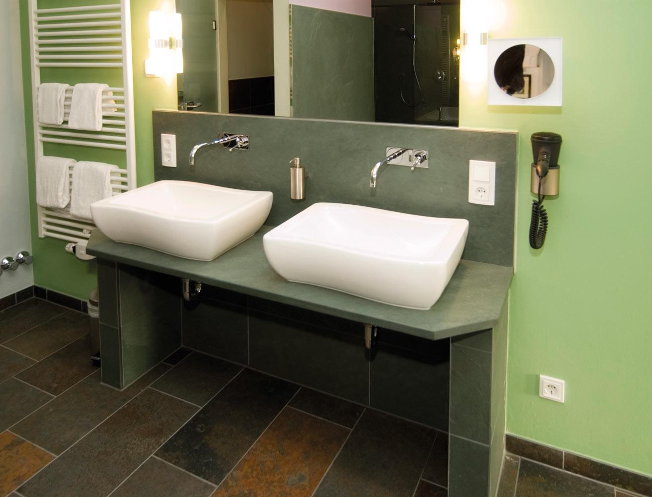 Waschtischplatte schiefer  Badgestaltung – backes